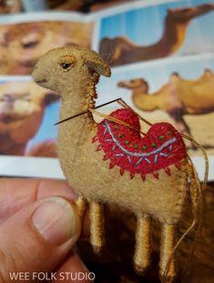 Posts about Bed Book Animals written by Salley Mavor Felt Christmas Ornaments, Christmas Crafts, Xmas, Felt Embroidery, Embroidery Ideas, Felt Decorations, Felt Patterns, Felt Toys, Felt Art