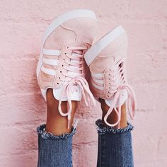 10 Sites For Trendy And Cheap Sneakers These cute sneakers make such cute sneaker outfits! The post 10 Sites For Trendy And Cheap Sneakers appeared first on Daily Shares. Adidas Shoes Women, Nike Women, Cheap Adidas Shoes, Cheap Nike, Adidas Rosa, Pink Gazelles, Cute Shoes, Me Too Shoes, Inspiration Mode