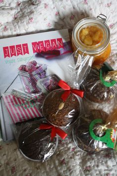 Auf think.care.act startet unser Adventkalender mit einem zuckersüßen Paket. Gewinnen könnt ihr das bis 07.12.