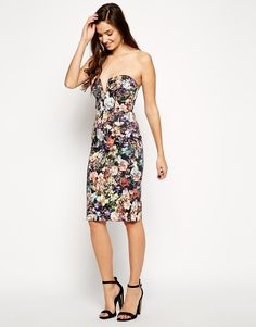 """Dress by ASOS Collection Smooth woven fabric Plunging neckline Detachable straps Moulded contour cups with padding Zip back fastening Regular fit - true to size Hand wash 97% Cotton, 3% Elastane Our model wears a UK 8/EU 36/US 4 and is 175 cm/5'9"""" tall"""