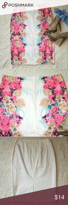 Kardashian Kollection Floral Pencil Skirt White base with flowers on the front - Zipper in the back - Solid white back - 95% cotton, 5% elastane - Worn a few times, but no major flaws - Beautiful pencil skirt! - smoking home Kardashian Kollection Skirts Pencil