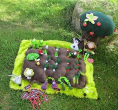 Ideas for klay's garden Crafts For Kids To Make, Gifts For Kids, Diy And Crafts, Sewing Toys, Sewing Crafts, Sewing Projects, Felt Diy, Felt Crafts, Diy Bebe
