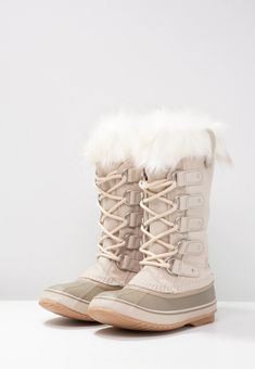 Sorel Joan Of Arctic, Winter Wardrobe, Lace Up Boots, Winter Boots, Winter Fashion, Beige, Outfits, Shoes, Capsule Wardrobe Winter