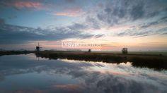 Natuurgebied De Donkse Laagten bij zonsopkomst [01109291] - Beeldbank van de Alblasserwaard
