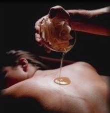 Quintal de Bruxa: Óleo Sensual para Massagem!