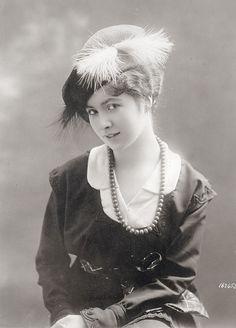 Women Hat 1913-1915