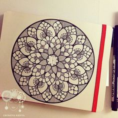 #moleskine #молескин #мандала #графика #орнамент #узор #graphic #art #edding1880 #mandala #ornament #pattern #drawing #рисунок #zentangle #зентангл #dotwork #sketchbook #sketch #paint #instagood #drawing #artwork #tattooart #tattoo | par Gromova_Ksenya