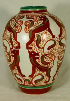 Dutch pottery vase, stylized lion decoration Distel Lion Cachet