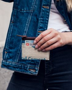 Praktische Cardholder mit Kleingeldfach💰 . . . #elephbo #fromtrashtotreasure . . . . . . . . . . . #recycling #cementbag #fair #fashion #fairtrade #inlovewithelephbo #photography #cambodia #siemreap #handmade #sustainable Fair Trade, Cambodia, Recycling, Card Holder, Handmade, Photography, Bags, Travel, Collection