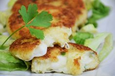 I pancake di patate al forno sono sfiziosi, filanti e molto semplici da preparare. Il risultato però sarà davvero irresistibile. Ecco la ricetta ed alcuni consigli