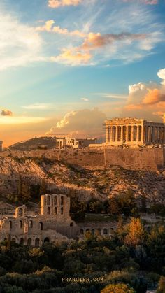 How to spend 4 Days in Athens? This detailed itinerary takes you to iconic places and unique neighborhoods like The Acropolis, Plaka, Temple of Zeus, The Panathenaic Stadium, nearby islands, and even the countryside! Ancient Ruins, Ancient Greece, Greece Photography, Travel Photography, Greece Wallpaper, Iphone Wallpaper, Places To Travel, Places To Go, Athens Acropolis
