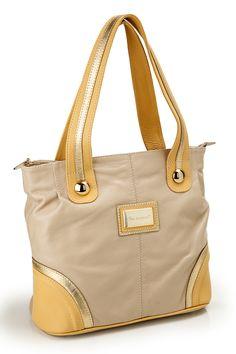 Cada detalhe foi pensado para não ficar na dúvida que essa é a bolsa perfeita!  Ref. B-1290 Ref. B-1290