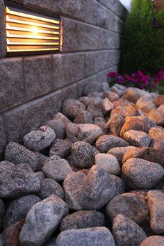 istutusallas harkoista - Google-haku Garden Stones, Firewood, Texture, Crafts, Google, Stones For Garden, Surface Finish, Woodburning, Manualidades