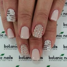 Botanic nails nude, flowers and diamonds Get Nails, Fancy Nails, How To Do Nails, Pretty Nails, Hair And Nails, Colorful Nail Designs, Cute Nail Designs, Awesome Designs, Botanic Nails