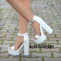 White platform sandals with high heels, Fashion Heels, Fashion Boots, Sneakers Fashion, Shoes Sneakers, Shoes Heels, Heeled Sandals, Sandals Outfit, Fancy Shoes, Pretty Shoes