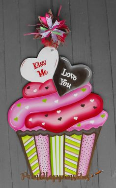 Valentine Cupcake Valentine Door Wall Hanger By Painthappens2us Valentine Day Wreaths Valentine Decorations Holiday