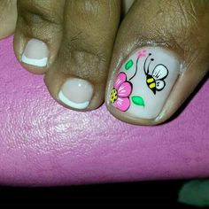 Uñas Pedicure Designs, Toe Nail Designs, Rose Nails, Flower Nails, Pretty Toe Nails, Fun Nails, Pedicure Nails, Pedicures, Summer Toe Nails