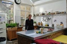 jamie oliver kitchen - love this splash-back! Open Plan Kitchen, Kitchen Redo, Test Kitchen, Kitchen Ideas, Island Kitchen, Kitchen Family Rooms, Kitchen Living, Room Kitchen, Jamie Oliver Kitchen