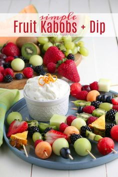 This simple snack of Fruit Kabobs and fruit dip is such a fun and easy summer time (or anytime treat). They are great for snacks, desserts, party appetizers, and more. Easy No Bake Desserts, Fun Desserts, Delicious Desserts, Dessert Recipes, Yummy Food, Fruit Recipes, Easy Recipes, Best Appetizers, Appetizers For Party