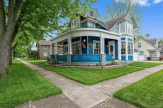 c. 1900 Queen Anne - Auburn, IN - $199,900 - Old House Dreams Gas Fireplace Logs, Gas Logs, Home Still, Porch Flooring, Large Bedroom, Old House Dreams, Window Panels, Bay Window, Queen Anne