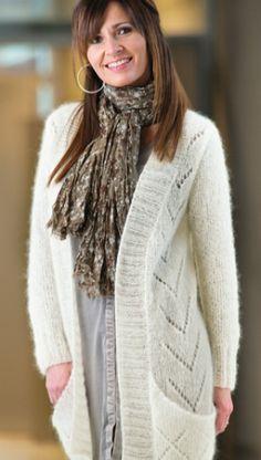 Gratis strikkeopskrift | Lang jakke med lommer