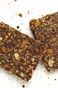 Receita de biscoito salgado sem glúten, sem lactose, sem ovo feito com sementes (vegano)   www.amorpelacomida.com.br
