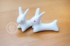 Un set de 2 repose-baguettes en forme de petit lapinou~~^3^ - boutique kawaii en ligne www.chezfee.com