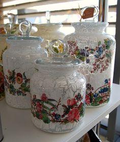 Atölye Beyaz Diy Bottle, Bottle Art, Bottle Crafts, Pot Mason, Mason Jar Crafts, Mason Jars, Decoupage Glass, Decoupage Vintage, Bottles And Jars