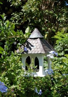 Our Favorite Birdhouses & Bird Feeders Bird House Kits, Bird Aviary, My Secret Garden, Kit Homes, Bird Houses, Garden Furniture, Bird Feeders, Beautiful Gardens, Outdoor Gardens