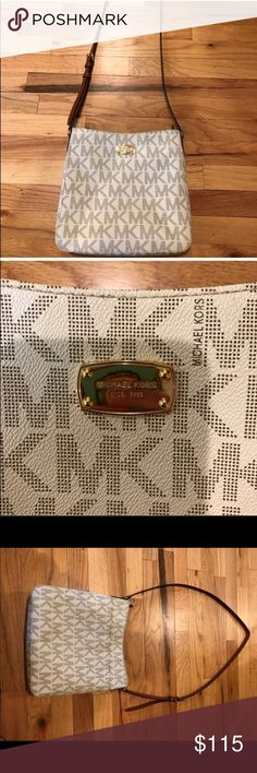 Michael Kors Cross Body Adorable Michael Kors large messenger bag - large inside & back pocket. Used but in brand new condition!! Michael Kors Bags