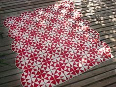 Great two color quilt.  I really want to do a red and white quilt!