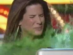 Sandra Bullock Slimed ►KCAs 2009