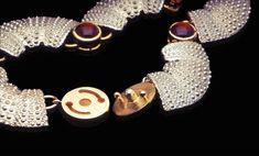 Amazing clasp structure by Hratch Babikian - USA.