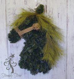 Horse Head Wreath Tutorial by Trendy Tree