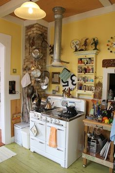 Kitchen Stoves on Pinterest   Vintage Stoves, Stove and Antique Stove