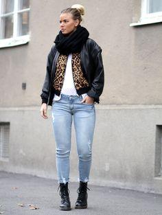 IMSO leopard jacket, Choies jeans, Gina Tricot top, Chiquelle scarf, Dr. Martens boots.