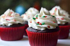 Daddy Cool!: Frosting βανίλιας!H Ιδανικη επικαλυψη για τα Χριστουγεννιατικα cupcake