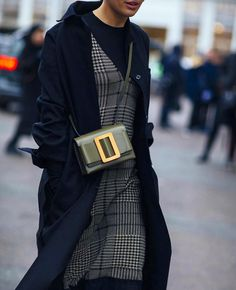 Cool Street Fashion, Fall Fashion, Fashion Trends, Womens Fashion, Fashion  Bloggers, Boyy Bag, Fashion Group, Fashion Plates, Street Style Looks 97b8a25a4f