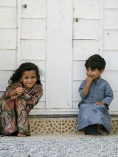 umuthepvar:    Gorgeous Kids from a gorgeous place. Musandam, Oman.  By José, Macbook's dead…