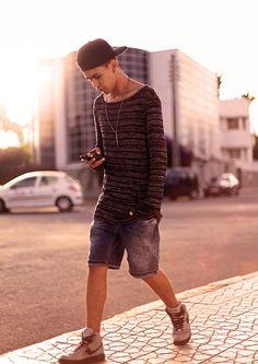 Marwan El - Süssy Snapback Hat, H&M Oversized Sweater, Zara Jeans Shorts, Nike Grey Air Dunk - #Sunset