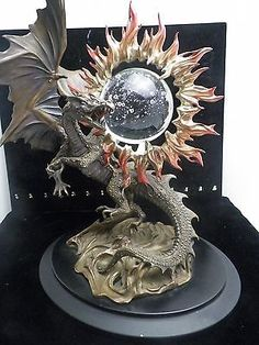 Franklin-Mint-The-Dragon-of-Triumph-Crystal-Ball-By-Julie-Bell