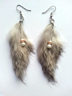 # BO-L001-01 Fourrure véritable de lapin, 4 perles naturelles 35$
