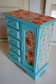 Perfect for jewelry, office supplies, sewing notions, make-up,crafting supplies, toiletries, etc.... Refurbished Vintage Jewelry Box - Tall Blue and Orange. $55.00, via Etsy. #organize