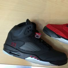 3107d3723f6148 AIR JORDAN 5 - RAGING BULLS CONSIGNMENT KICKS!!!!! FOR SALE....READY TO SHIP!!!  SIZE  10 DS KICKS ONLY!