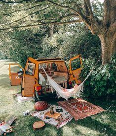 Zelt Camping, Suv Camping, Camping Life, Kangoo Camper, Kombi Motorhome, Kombi Home, Caravan Makeover, Van Home, Bus Life