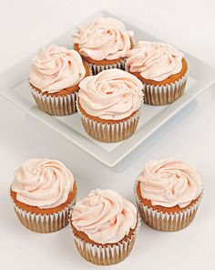 Guava Cupcakes with Guava Cream Cheese Frosting Guava Cupcakes, Paleo Cupcakes, Cream Cheese Cupcakes, Cupcake Recipes, Cupcake Cakes, Dessert Recipes, Poke Cakes, Layer Cakes, Hawaiian Cupcakes