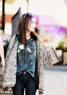 weekend style l lily collins. Boho Fashion, Autumn Fashion, Fashion Trends, Mode Style, Style Me, Style Tumblr, Lily Collins Style, Moda Boho, Poncho