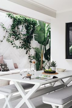 outdoor rooms We fell in love with this stunning home when we spotted it in Adore Home Magazines Spring 2018 issue and we just couldnt resist sharing it with you. Its a modern family hom Outdoor Remodel, Decor, Interior And Exterior, Outdoor Dining, Interior, Outdoor Rooms, Home Decor, House Interior, Home And Family