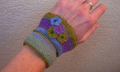Háčkovaný náramok Crochet bracelet