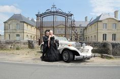 Janne and Tony's gothic wedding. Cermony in Citty Hall of Villers-Sous-Saint-Leu, France Gothic Wedding, Antique Cars, Saints, France, Antiques, Fashion, Vintage Cars, Antiquities, Moda